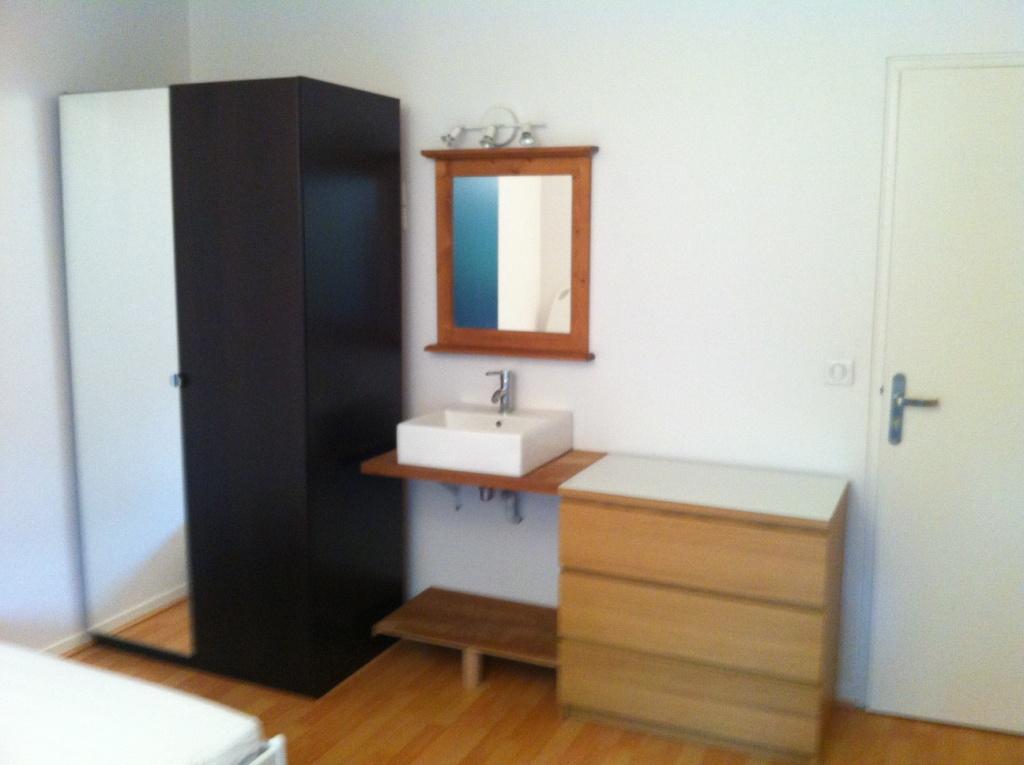placard double, meuble vasque et commode